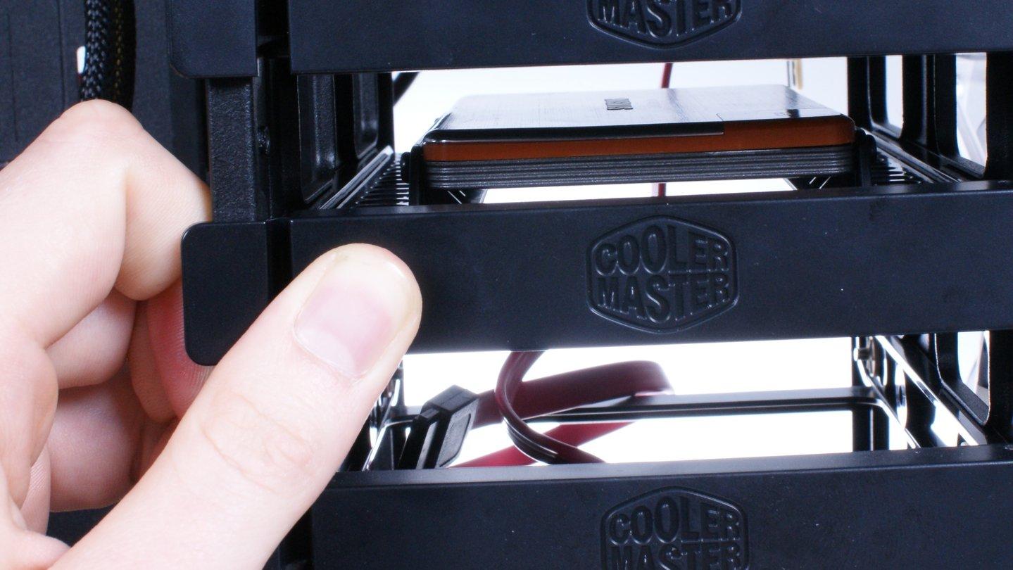 seite 3 ssd festplatte einbauen schritt f r schritt anleitung gamestar. Black Bedroom Furniture Sets. Home Design Ideas